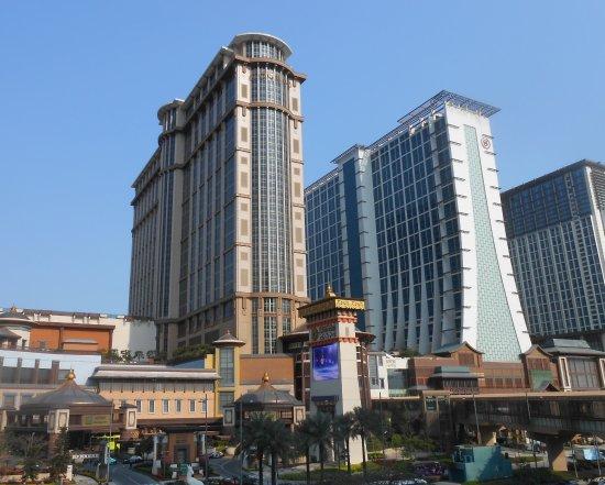 Conrad Macao Cotai Central: Vue extérieure de l'hôtel