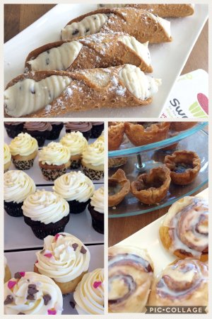 New Hamburg, Canada: Just a few daily desserts!