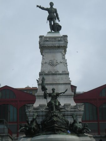 Statue of Prince Henry the Navigator