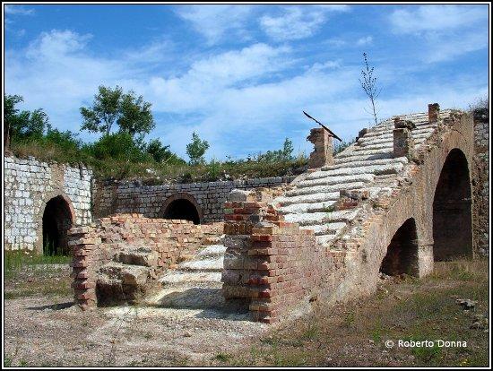 Sassoferrato, Italy: Cabernardi - Miniera  dello zolfo