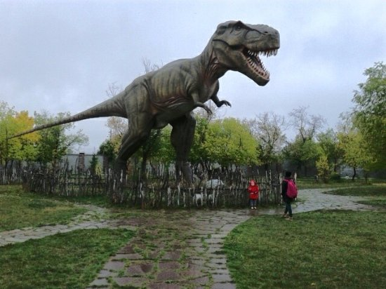 "Abzakovo, Russia: Динопарк ""Динозаврик"""