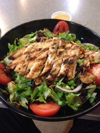The Woodlands, TX: Grilled Chicken Sallad