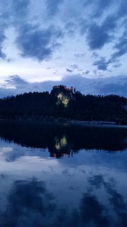 Grand Hotel Toplice: Evening view from a lakeside room