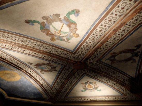 Sant Fruitós de Bages, España: Monastir de Sant Benet: detalle techo de la cripta
