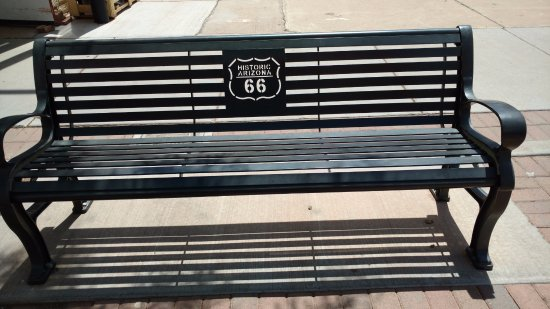 Уинслоу, Аризона: There are a few benches, chairs, etc. to use for sitting while you hang out in Winslow.