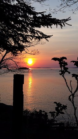 Rockport, Мэн: Sunrise from our waterfront