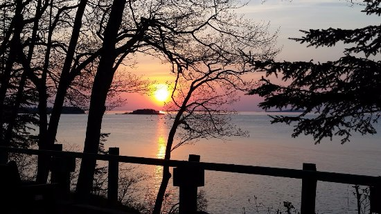 Rockport, Мэн: Magic Morning Moments. Sunrise over Penobscot Bay.
