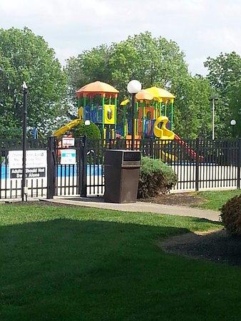 Red Lion Hotel Harrisburg Hershey: Outdoor playground