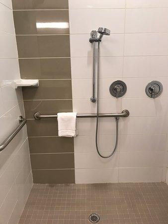Lumberton, Carolina del Norte: Shower