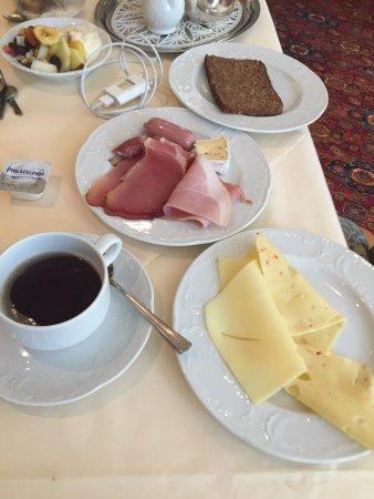 Tilman Riemenschneider Hotel : Café da manhã.