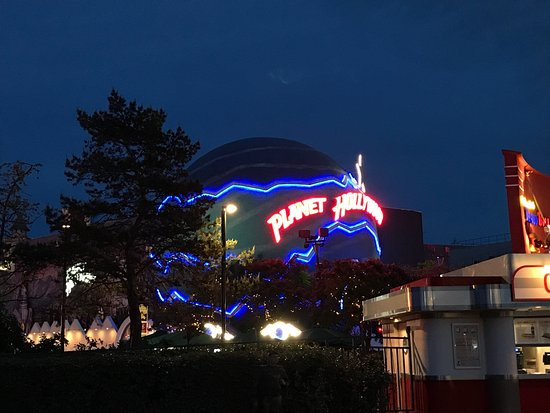 Disney Village: photo3.jpg