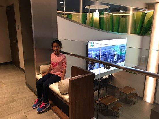 Ambientes de sala de estar y entretenimiento para for Sala new york