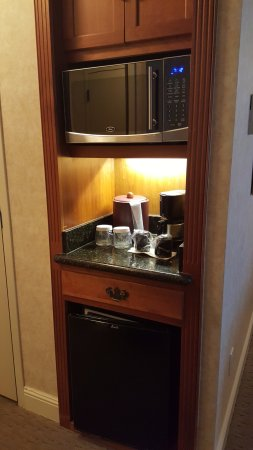 เบอร์ลินเกม, แคลิฟอร์เนีย: Microwave/Coffee Maker/Refridgerator