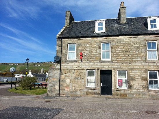 The Bannockburn Inn, located in the centre of Helmsdale.