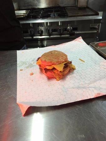 Eddyville, Кентукки: Big Boar breakfast biscuits to go!