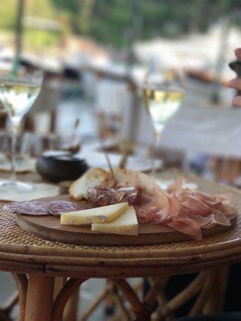 Winterose Wine Bar : Wine, cheese & ham