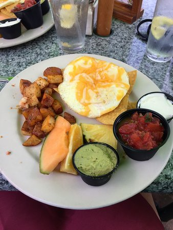 Keylime Bistro : huevos rancheros which we really enjoyed, and then we had the Key Lime pie