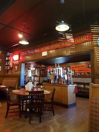 Famous Dave's Barbeque: Nice...