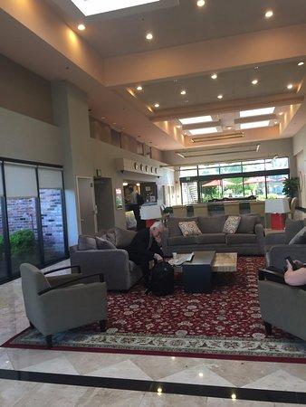 Ramada Sunnyvale/Silicon Valley: Reception area