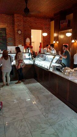 Eau Claire, WI: Ramones Ice Cream Parlor