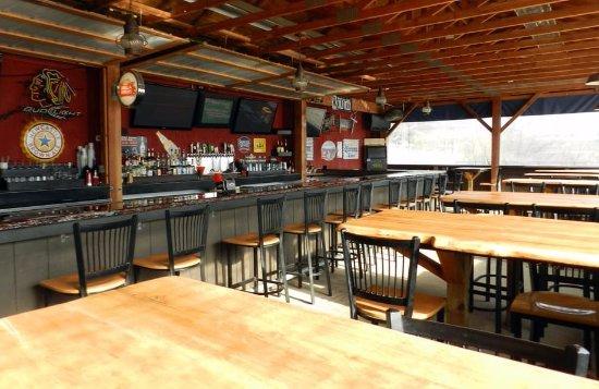 Saint Charles, IL: dining area