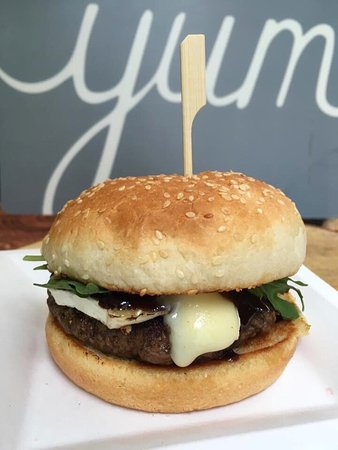 Vineland, Canadá: Fire cracker Bao Buns. The Zooma Signature Burger