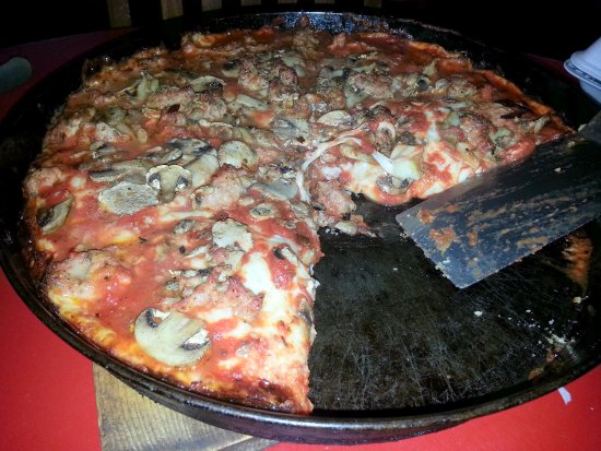 Morton Grove, IL: cheese, sausage, mushroom & fresh garlic pan pizza