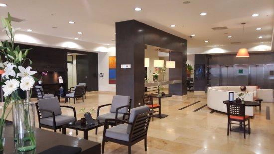 NH Mexico City Centro Historico: Hotel foyer