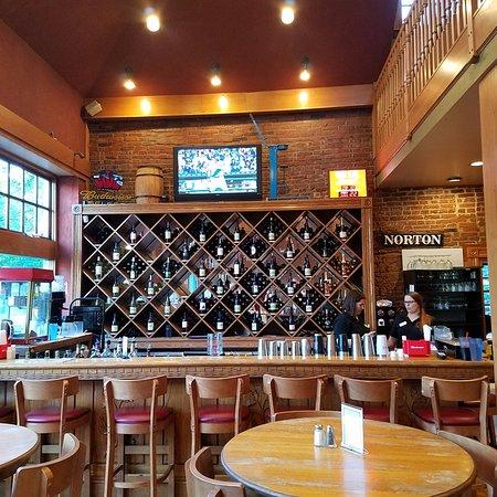 Saint Charles, MO: Bar