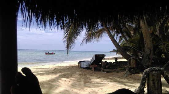 Little Corn Beach and Bungalow: IMAG0441_large.jpg
