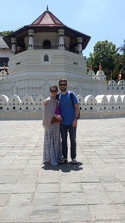 Μπεντότα, Σρι Λάνκα: Temple of tooth in kandy