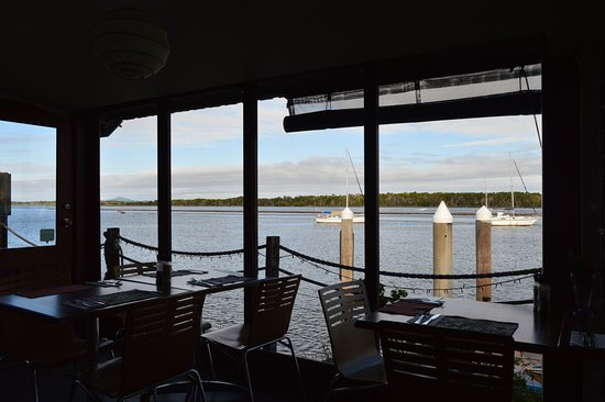 Iluka, Australia: The view of the river from the resteraunt.
