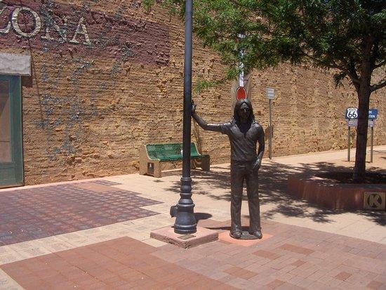 Winslow, AZ: A statue