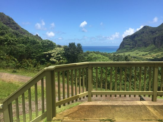 """Kaneohe, Hawái: At the """"gyrosphere"""" from Jurassic World"""