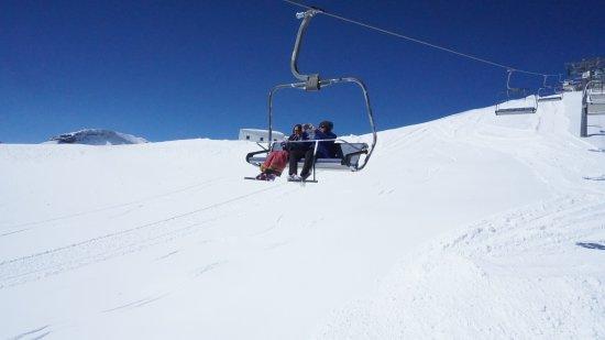 Les Diablerets, Switzerland: Ski jump ride to the activity venue