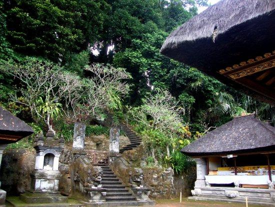 Pura Bukit Dharma Durga Kutri