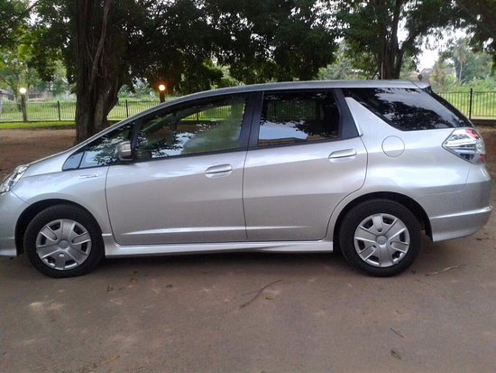 Katunayake, Sri Lanka: Luxury Car