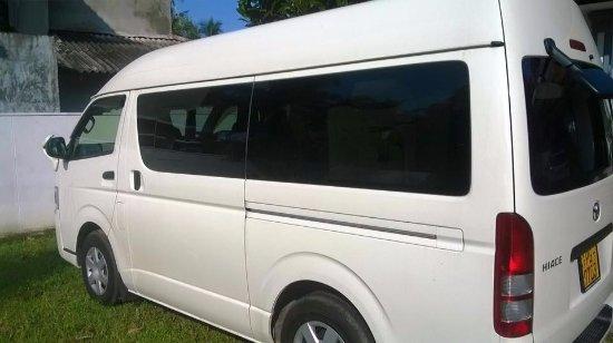 Katunayake, Sri Lanka: Luxury Van