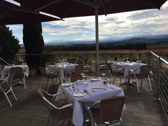 Coldstream, Australia: Tokar Estate outside dining area