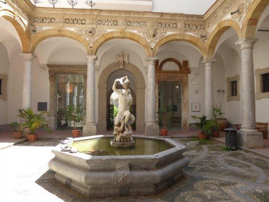 """Museo archeologico regionale """"Antonino Salinas"""" Polo regionale di Palermo per i Parchi e i Musei Archeologici"""
