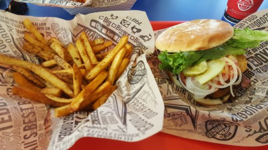 Teddy's Bigger Burgers: 9 oz burger and spicy fries