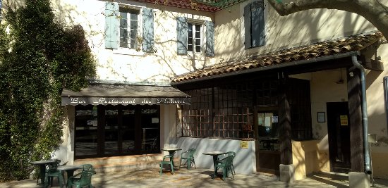 Aramon, ฝรั่งเศส: restaurantion les platanes