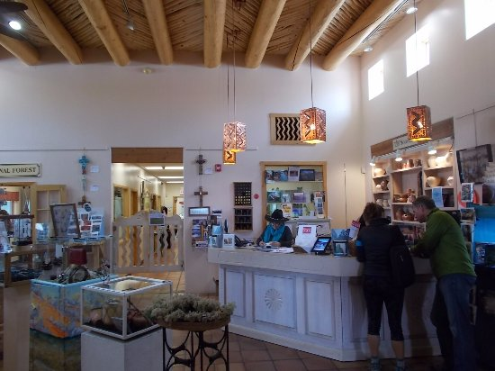 Taos Visitor Center: Taos NM Visitor's Center. Excellent staff.