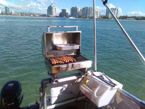 Hope Island, Australia: It's lunch time! Time to fire up your BBQ.