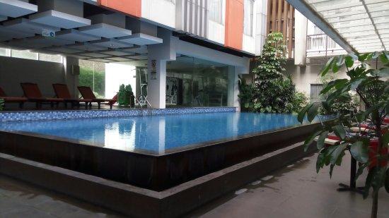 V Hotel & Residence: 6f597f9a891ed6c2e5f73823d97a7ce5_large.jpg