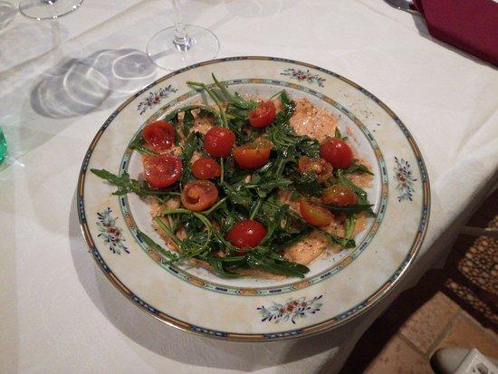 Capodimonte, Italien: carpaccio di salmone