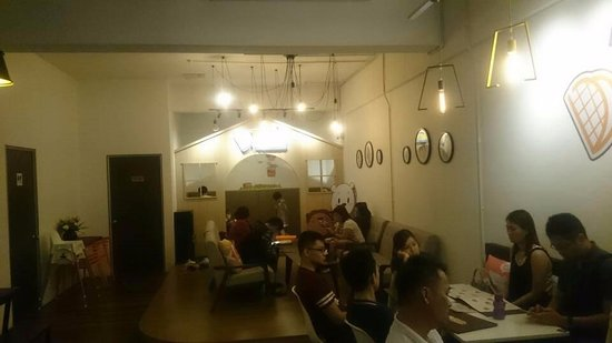 Sri Kembangan, Malasia: Cosy place to hang out for dessert or tea