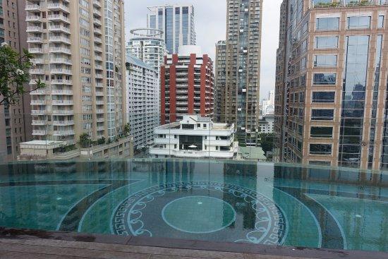 Piscine picture of hotel muse bangkok langsuan mgallery collection bangkok tripadvisor - Hotel bangkok piscina ...