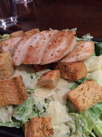 Vaasa, Finland: Caesarsallad med kyckling