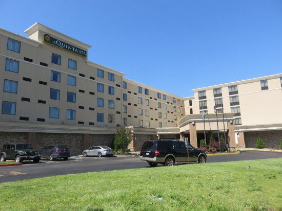 Salisbury, MD: This is a large hotel